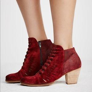 🌿Free People Loveland Maroon Ankle Boots🌿